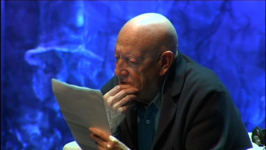 """Ramiro Pinilla. Nola kontatu beha da historia?. """"Mundua aldatzeko ideiak'"""" (osteguna, 12.07.05) [27:51]"""