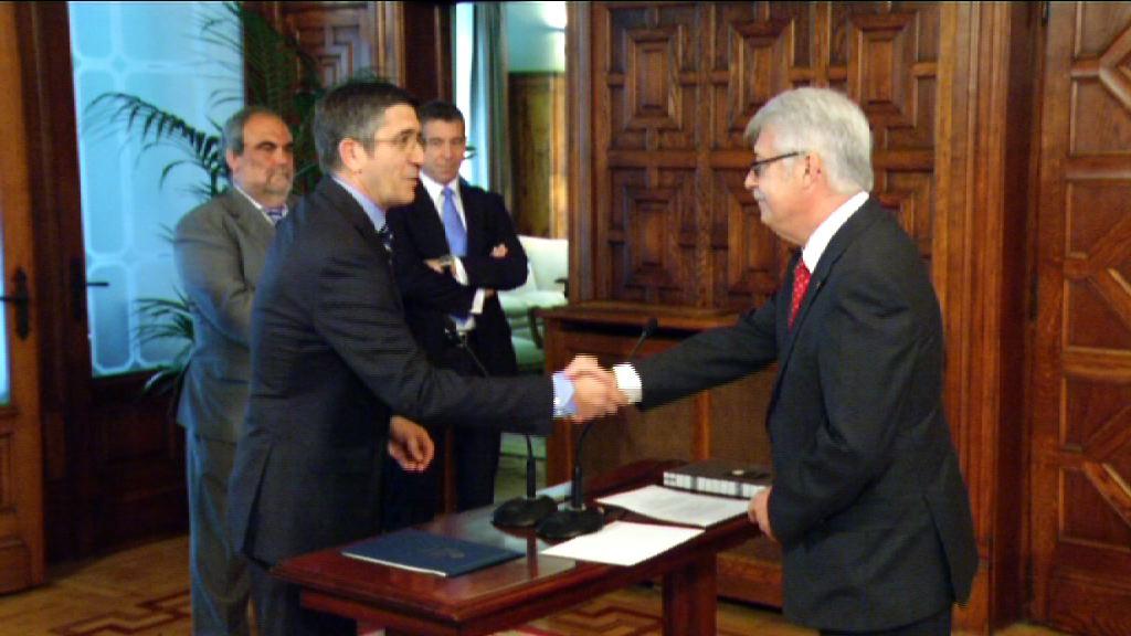 """El Lehendakari reclama que sean """"inflexibles"""" en su tarea de vigilancia a los nuevos responsables del Tribunal Vasco de Cuentas [4:39]"""