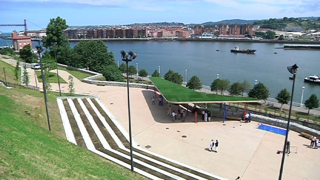 """Lehendakariak portugaletetarren """"auzo-borroka"""" goraipatu du Azeta parkearen inaugurazioan [6:32]"""