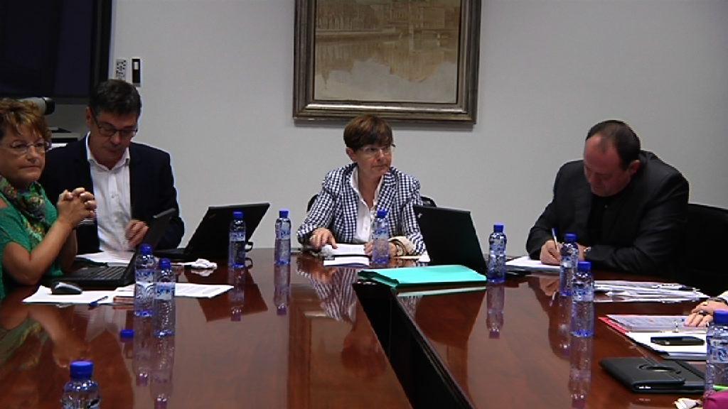 El Gobierno Vasco reafirma su rechazo a los recortes en Dependencia y pide a las diputaciones que ratifiquen su compromiso con Euskadi frente a Madrid [3:32]