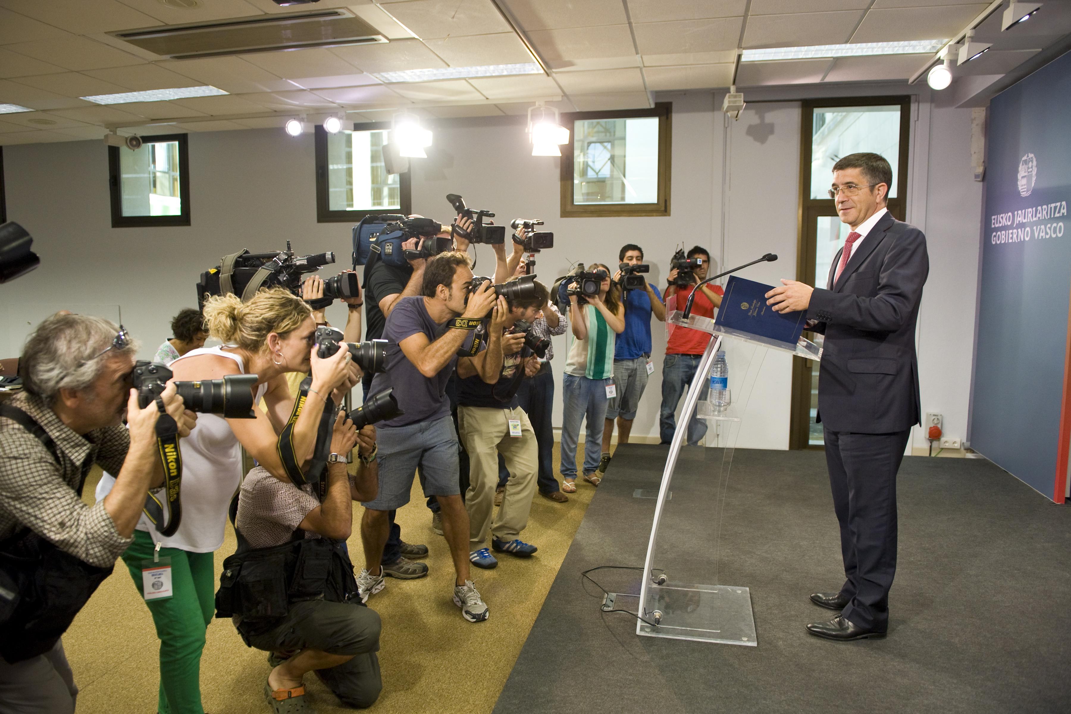 2012_08_21_lehendakari_prensa_003.jpg
