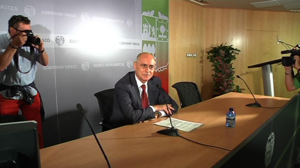 El consejero de Interior anuncia su salida del Gobierno Vasco [18:14]