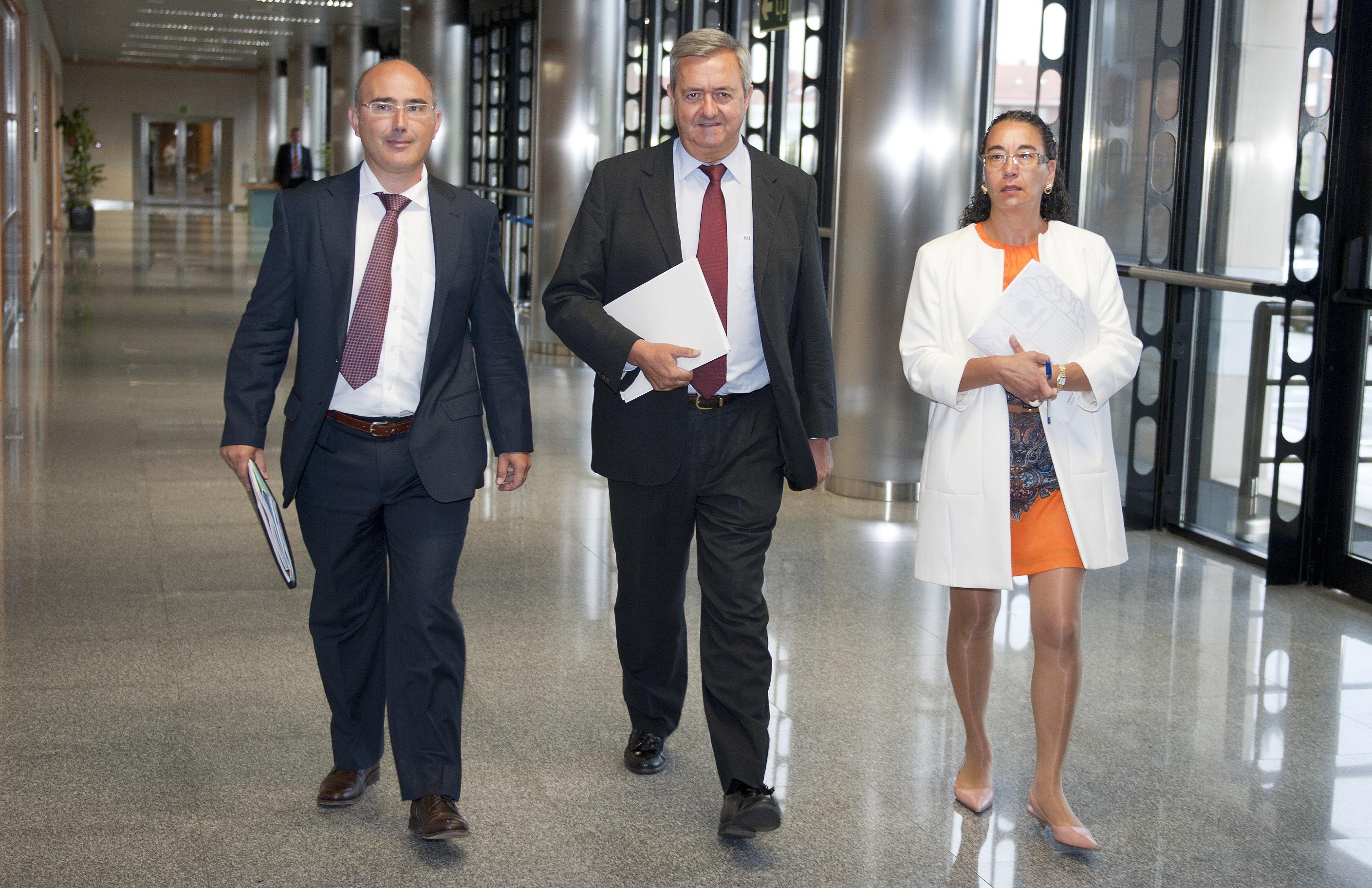 2012_08_30_aguirre_medidas_finanzas.jpg
