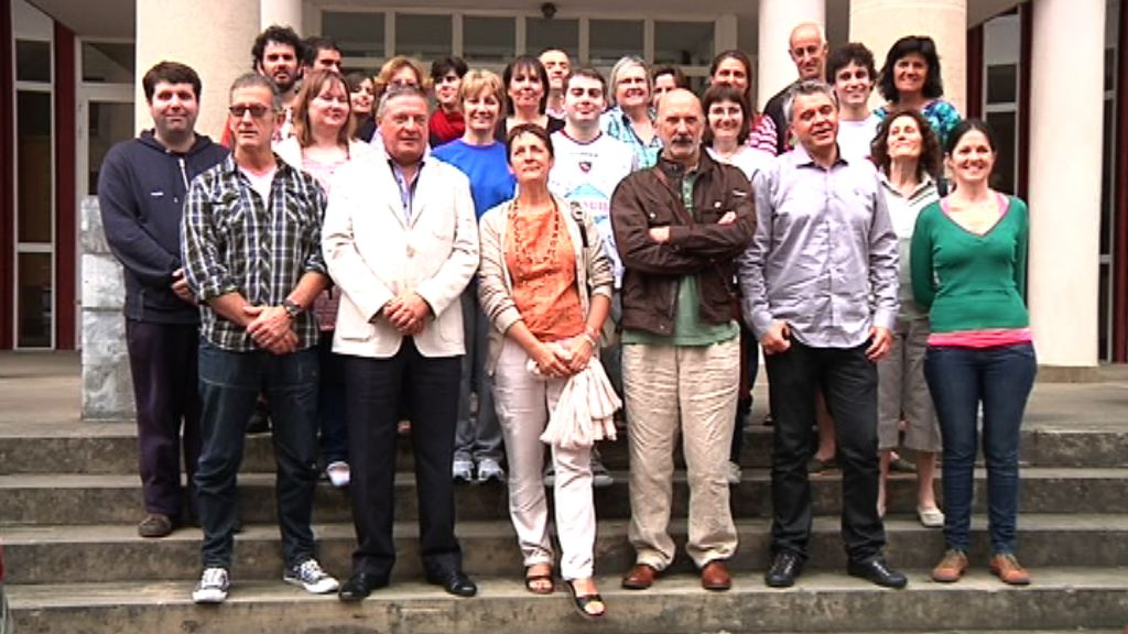 """El director de Colectividades Vascas transmite a los participantes de Gaztemundu el mensaje del Lehendakari: """"El euskera es patrimonio de todos"""" [1:34]"""