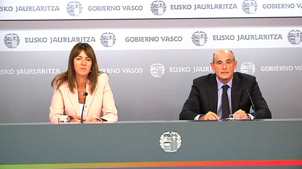 """Mendia entiende que """"nada impide al Gobierno Vasco mejorar las prestaciones del sistema nacional de salud"""" [39:11]"""