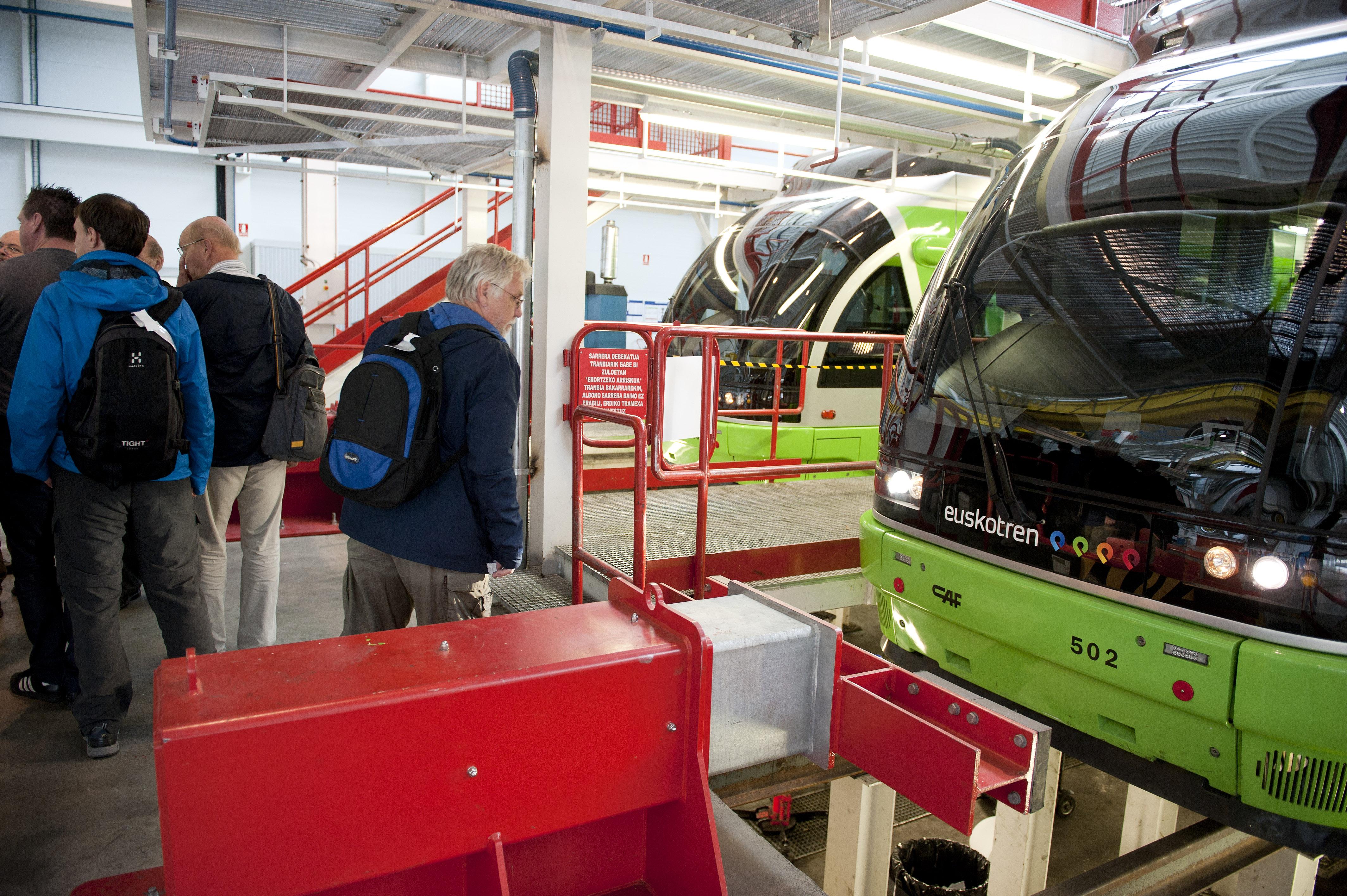2012_10_01_visita_suecos_tranvia_05.jpg