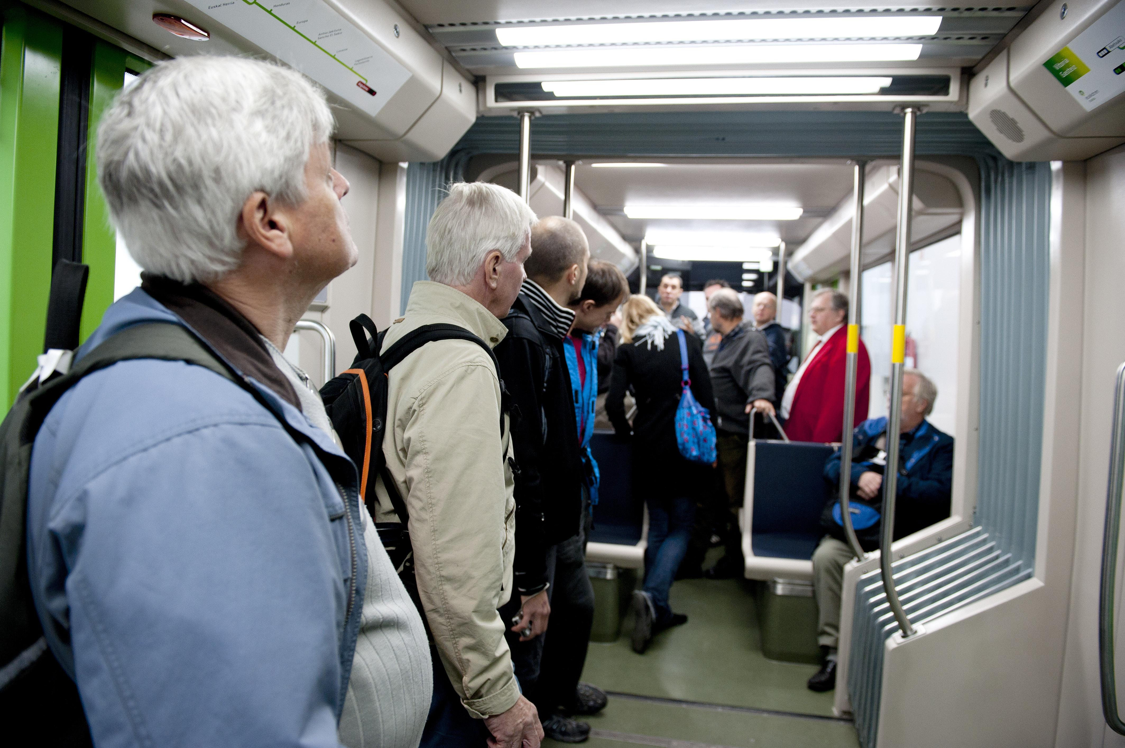 2012_10_01_visita_suecos_tranvia_10.jpg