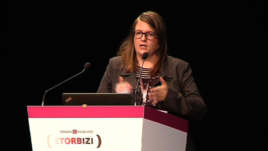 Helen Dickinson: I Encuentro Etorbizi de Innovación Sociosanitaria [108:01]