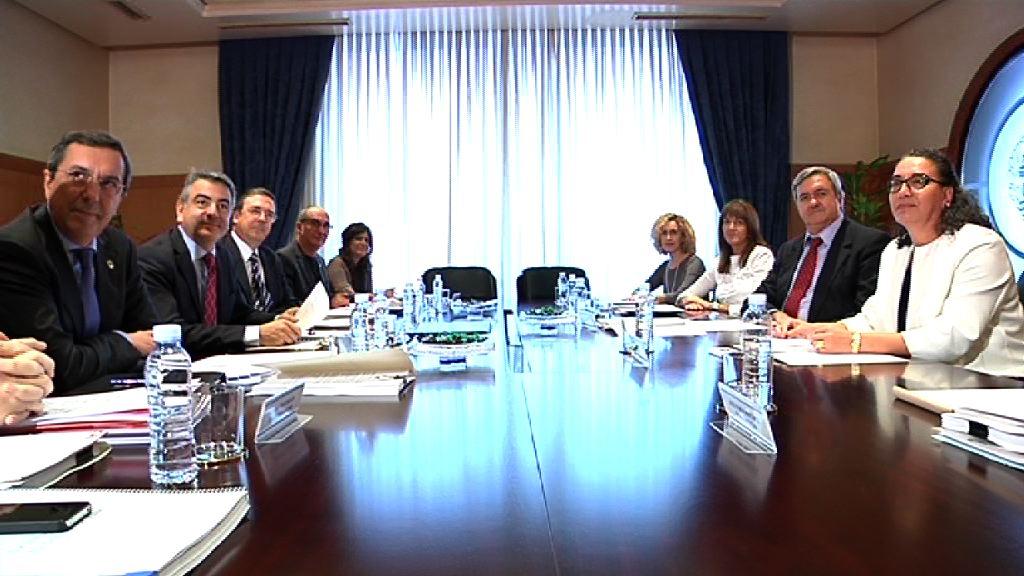El Consejo Vasco  de Finanzas alcanza  un acuerdo sobre la  previsión de cierre del año 2012 [101:48]