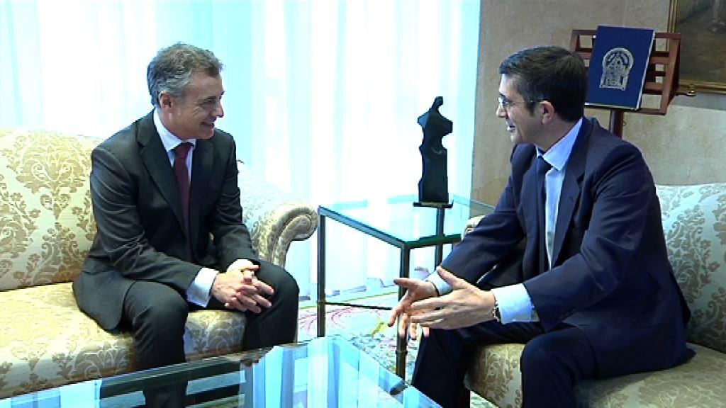El Lehendakari se reúne con el secretario general del PSE vasco, Patxi López [0:57]