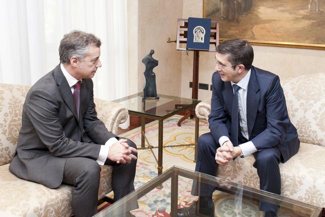Lehendakaria Patxi López PSEren idazkari nagusiarekin bildu da