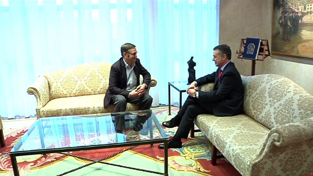 El Lehendakari se reúne con  el secretario general de UGT-Euskadi [1:04]