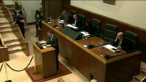 El Lehendakari responde al grupo Socialistas Vascos sobre la reducción del entramado público vasco (2) [4:01]