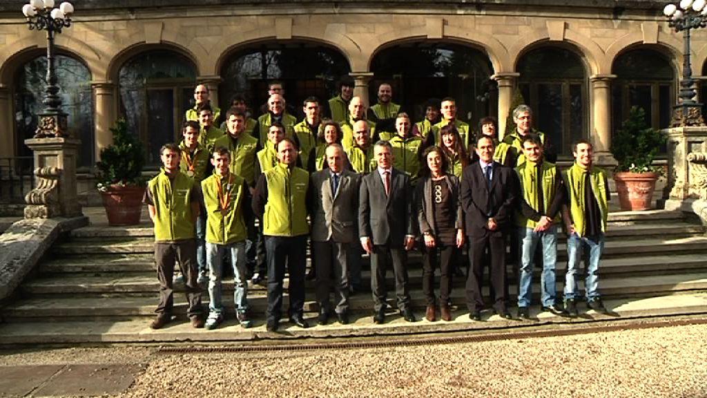 El Lehendakari recibe a los alumnos vascos premiados en las Olimpiadas de Formación Profesional [2:15]