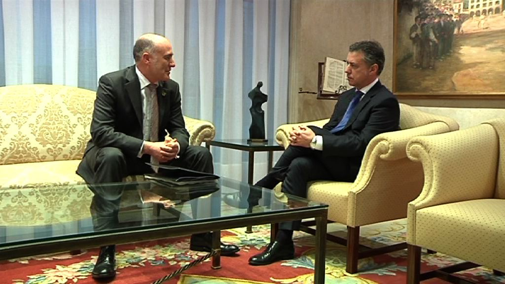 El Lehendakari se reúne con el rector de la UPV [0:53]
