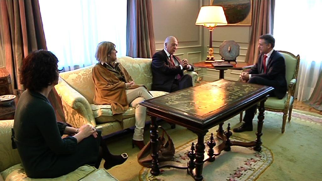 El Lehendakari recibe al Embajador de Chile [0:52]