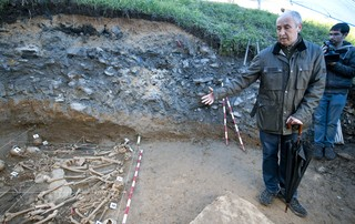 2013 04 04 exhumacion