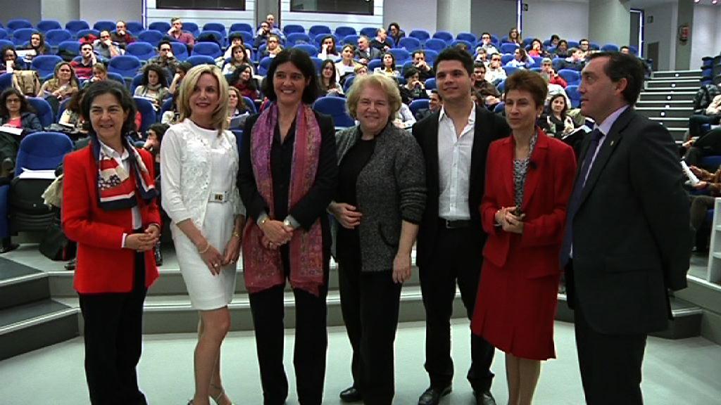 Profesionales vascos conocen en Bilbao los requisitos de acceso laboral a la ONU  [3:50]