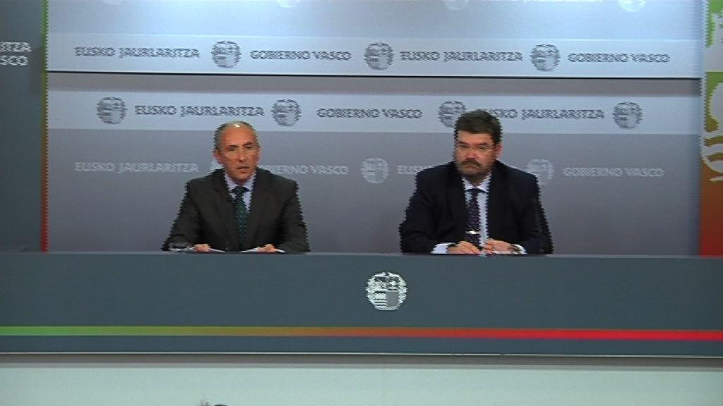 """El ejecutivo vasco actuará en los casos de desahucio que puedan derivar en situaciones de """"especial vulnerabilidad""""  [52:07]"""