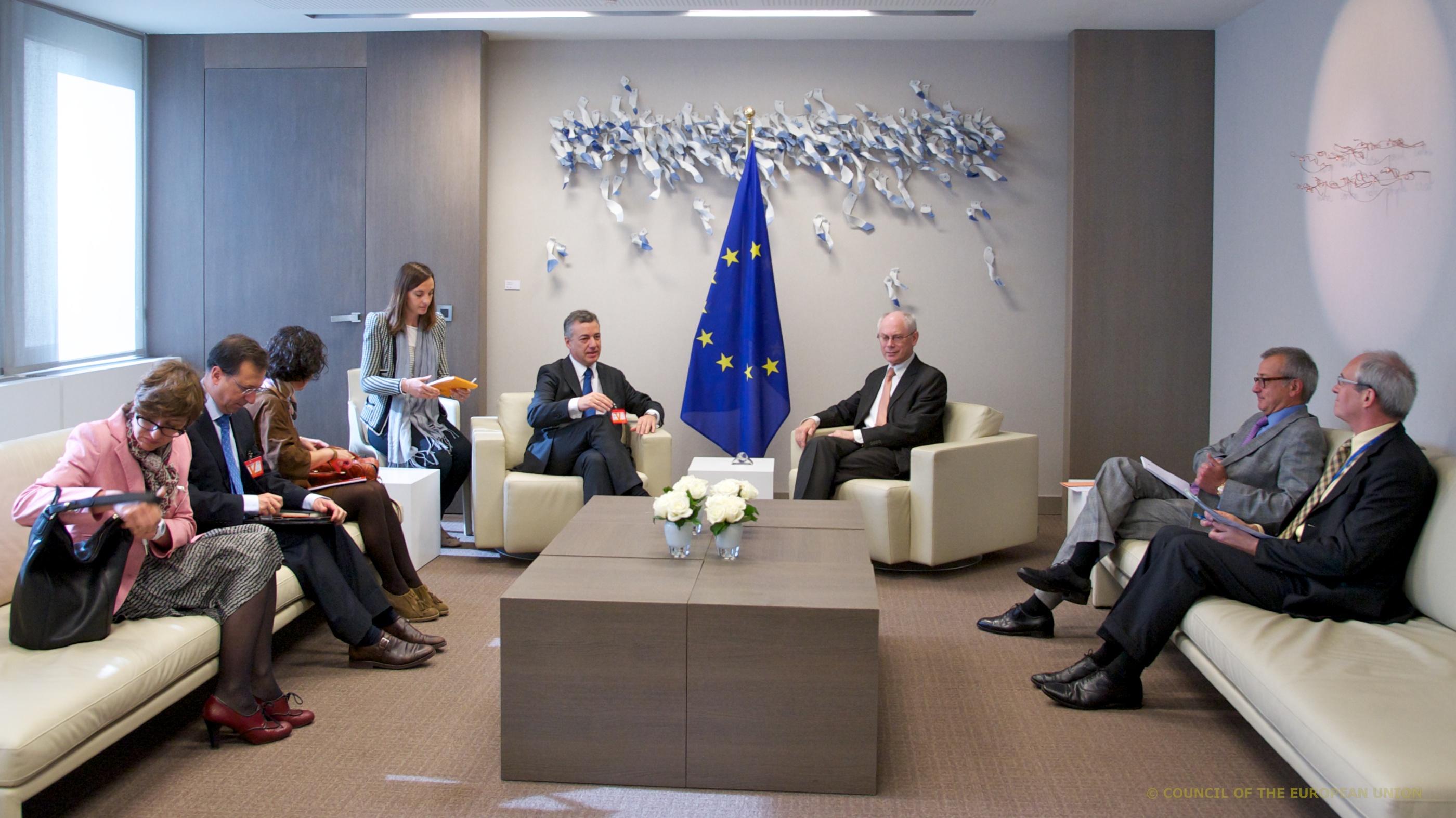 Europar Batasuneko Kontseiluko presidentearekin bilduta itxi du Lehendakarik Europako Erakundeetako arduradunekiko bileren agenda [18:29]