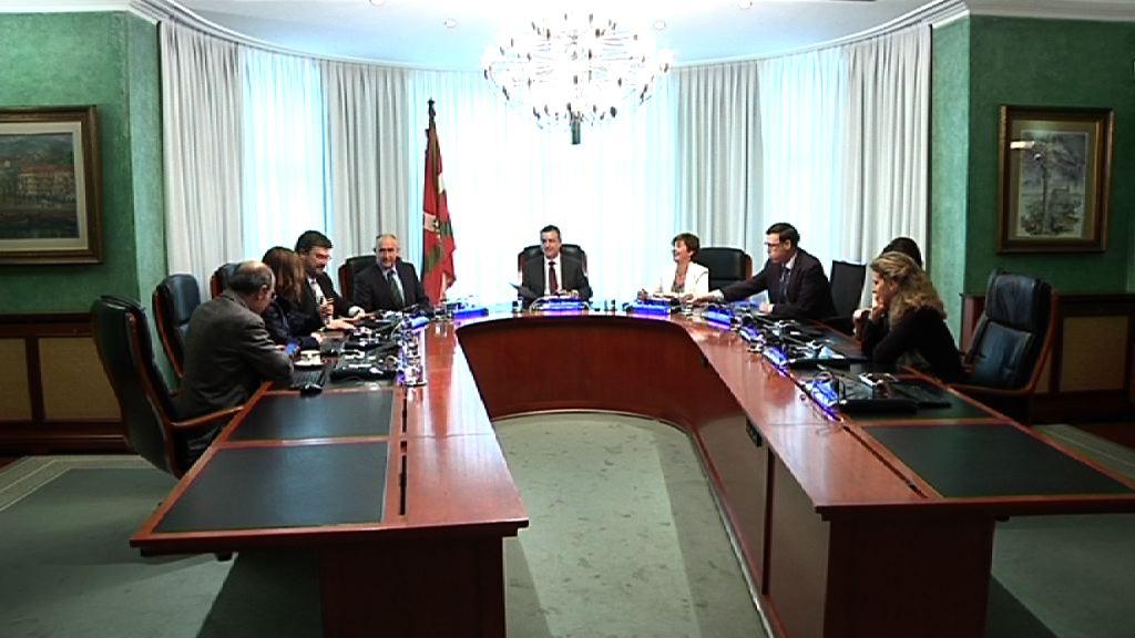 """El Gobierno vasco retira su proyecto de presupuestos ante la situación de """"bloqueo"""" de la oposición [37:20]"""