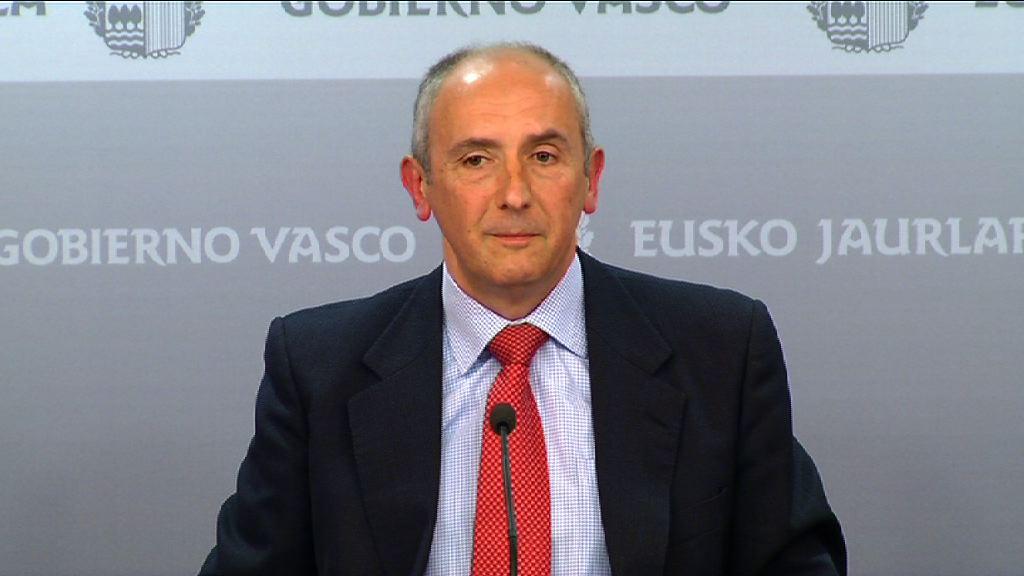 """El ejecutivo vasco """"lamenta"""" que el Tribunal Constitucional no se pronuncie sobre las pagas extra de los empleados públicos eventuales  [61:44]"""
