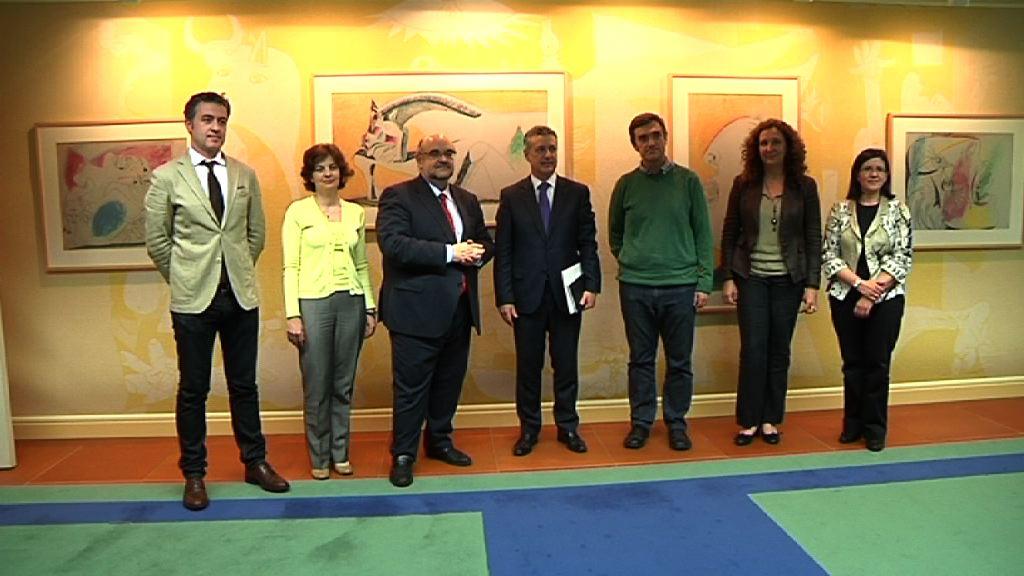 El Lehendakari se ha reunido con los responsables de Amnistía Internacional [1:02]