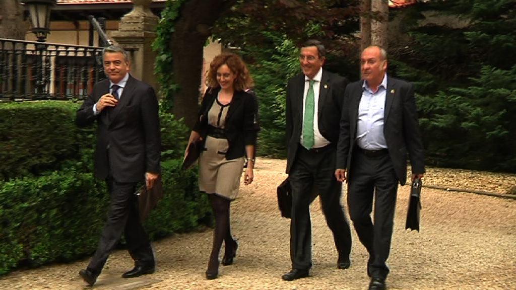 El Gobierno vasco, las Diputaciones y EUDEL acuerdan trabajar conjuntamente en la reactivación económica y la generación de empleo  [1:15]