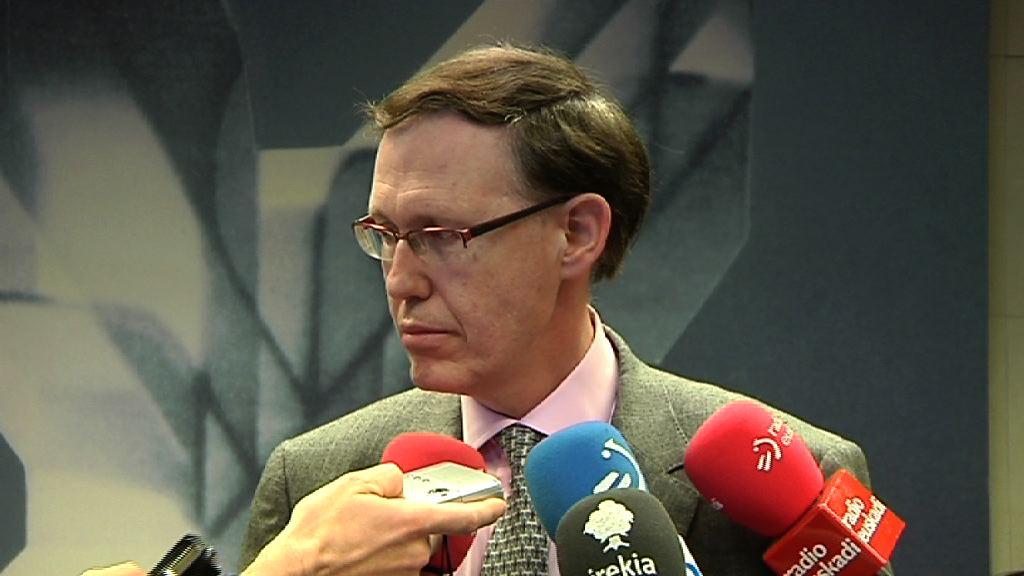 El Ejecutivo vasco traslada su propuesta de trabajo a las Diputaciones  [13:39]