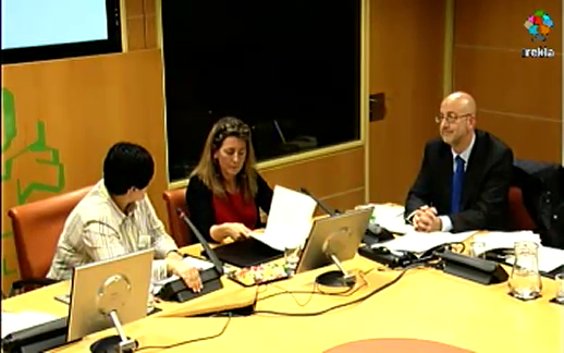 Ana Oregi destaca en el Parlamento Vasco que Petronor no ha incurrido en incumplimiento de sus autorizaciones ambientales [58:46]
