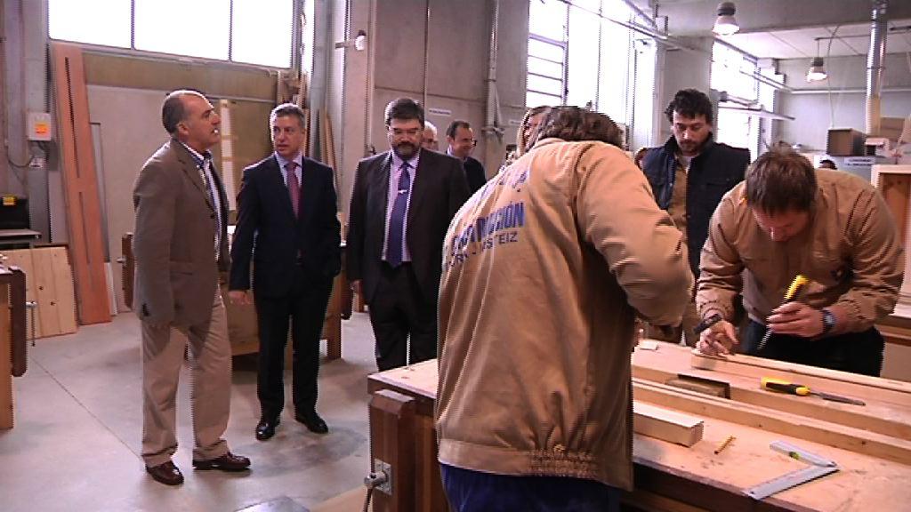 El Gobierno rehabilitará 52.000 viviendas para estimular la creación de 13.000 empleos en la Construcción [12:58]