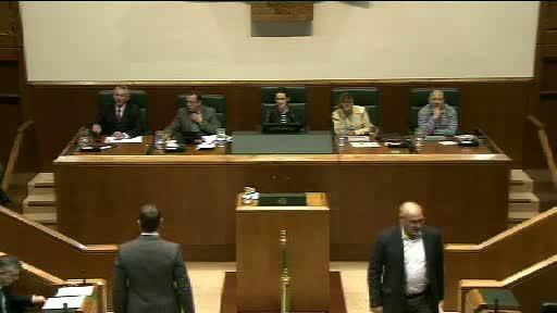 """El Lehendakari asegura que la LOMCE colocaría a Euskadi en el """"pelotón de los más torpes de Europa"""" [293:43]"""