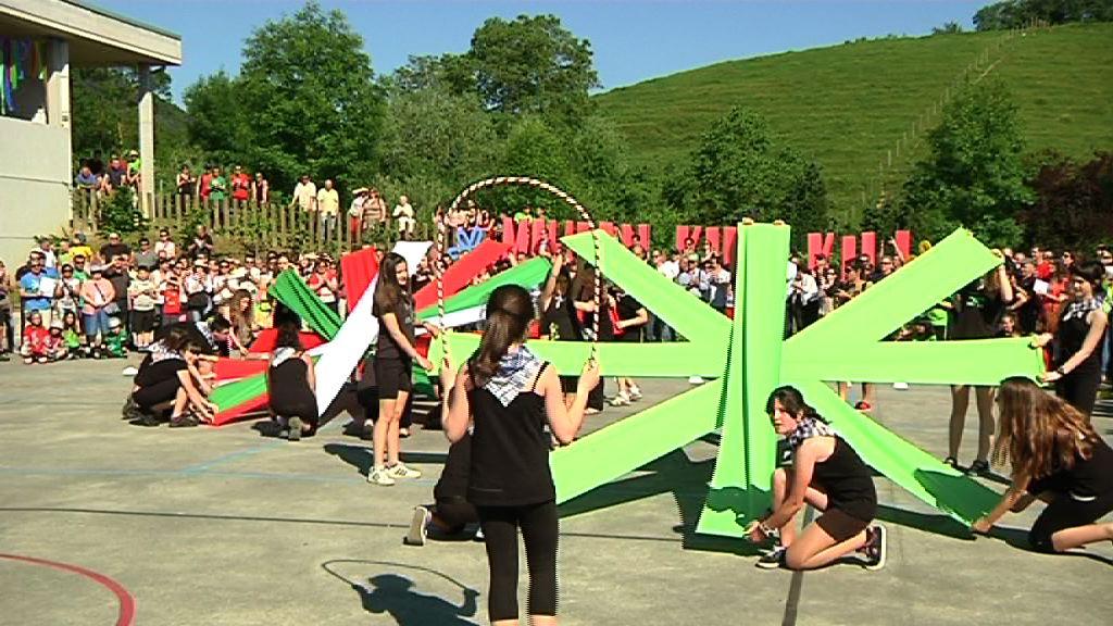 La Consejera defiende el Sistema Educativo Vasco en el acto de apertura de Araba Euskaraz [2:46]