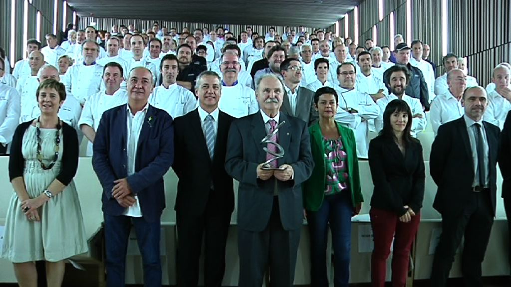 """Euskadi """"milioika sukaldarien Herrialdea"""" [4:09]"""