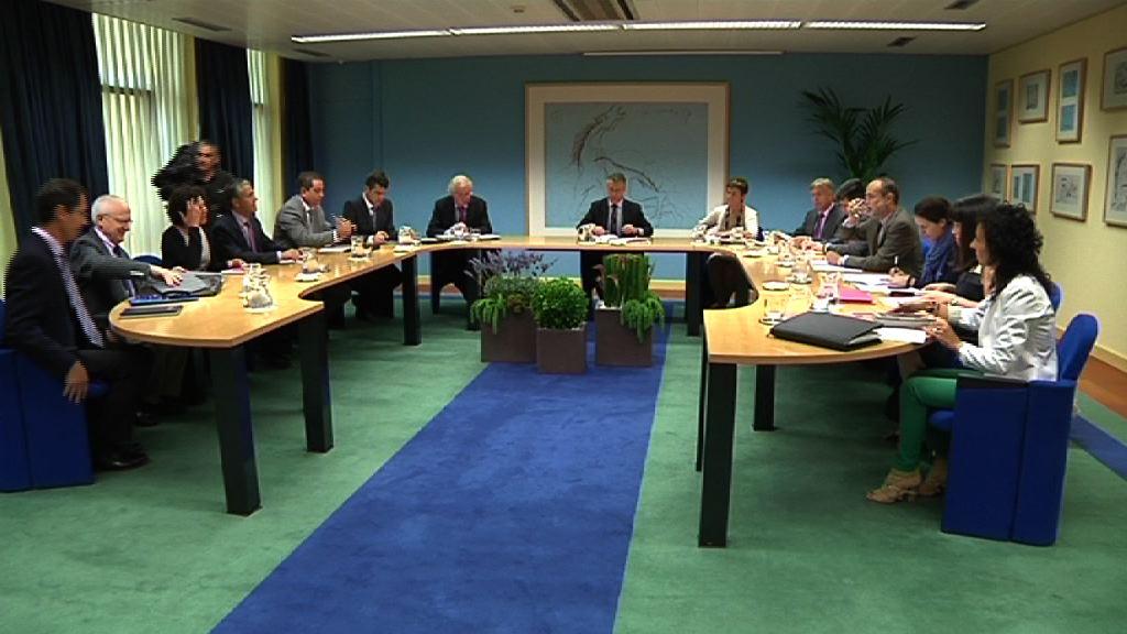 El Lehendakari se reúne con los responsables de los centros tecnológicos y de investigación [18:25]