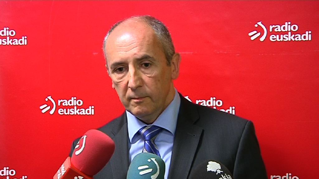 Erkoreka bozeramileari elkarrizketa Radio Euskadin [12:54]