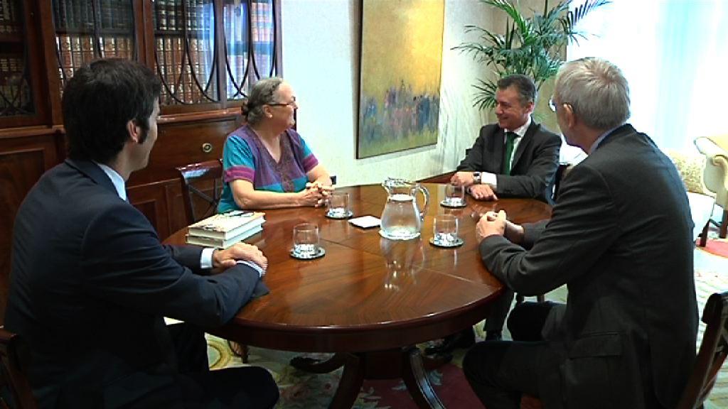 El Lehendakari se ha reunido con la Fundación Vicente Ferrer [0:51]
