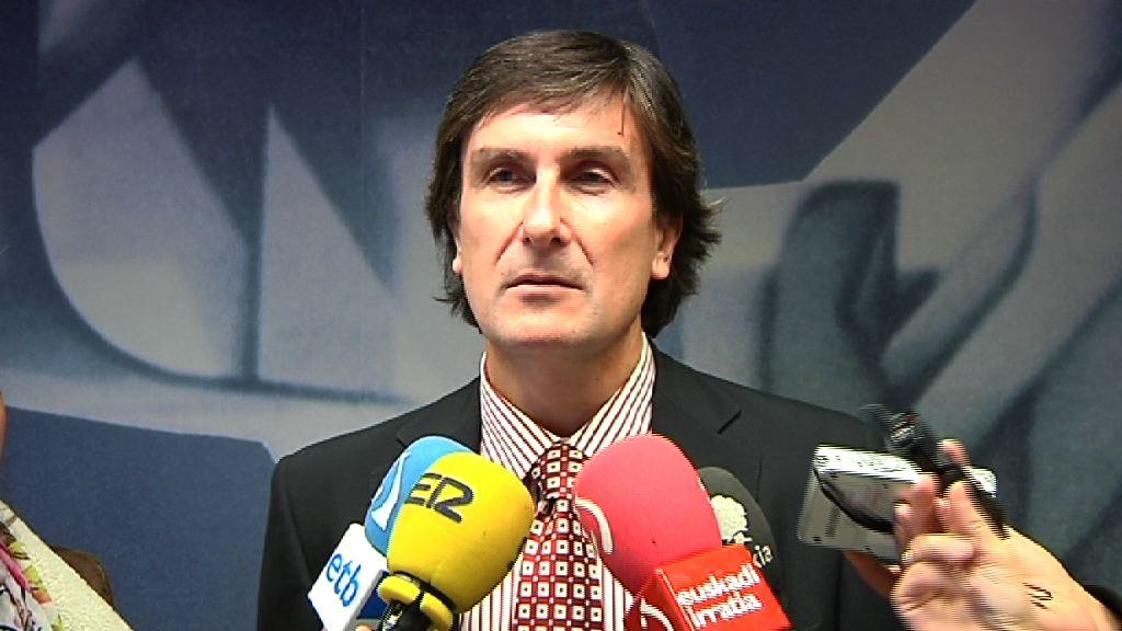 """El Gobierno vasco no entiende la cerrazón de algunos sindicatos y seguirá convocando la Mesa General de Función Pública """"las veces que haga falta"""" [5:49]"""