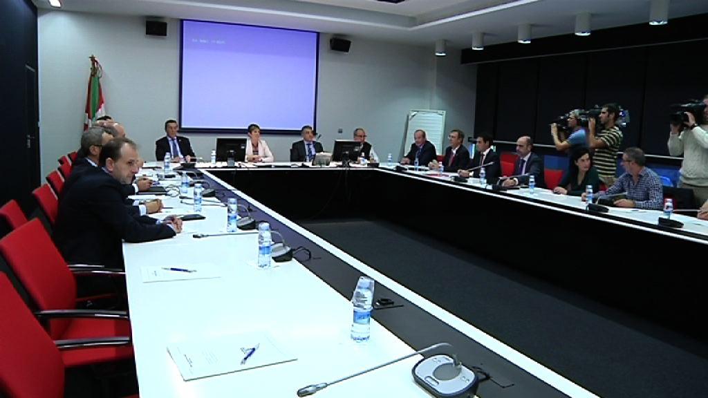 El Gobierno activará planes en Empleo e Industria para paliar el cierre de Fagor [13:42]