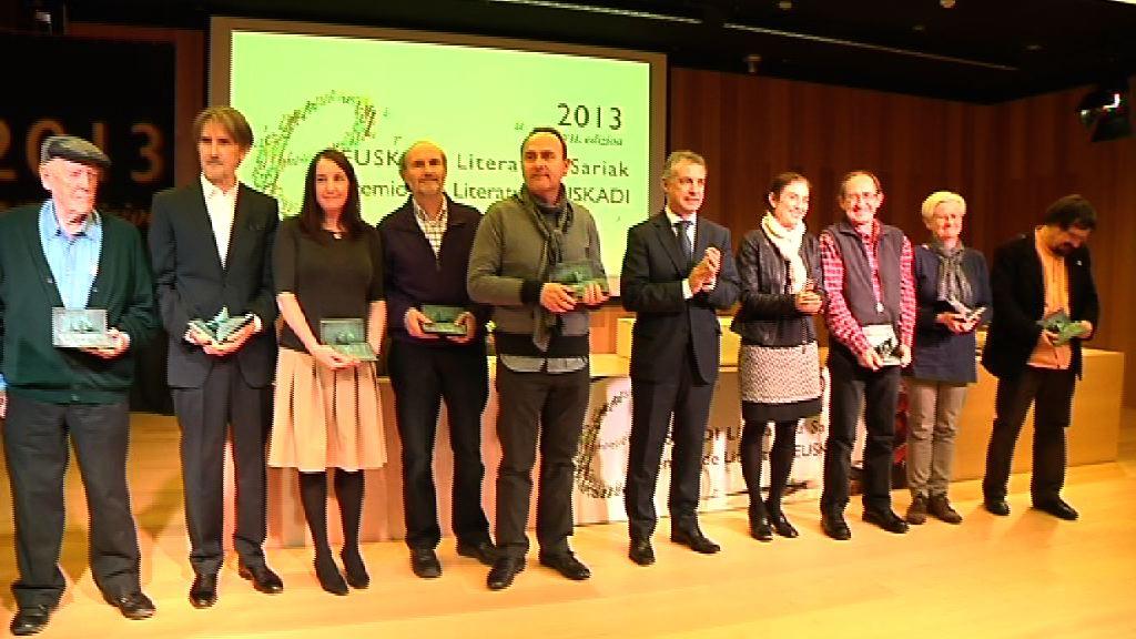 """""""Los premios Euskadi de Literatura son una invitación a la lectura y la escritura"""" [6:38]"""