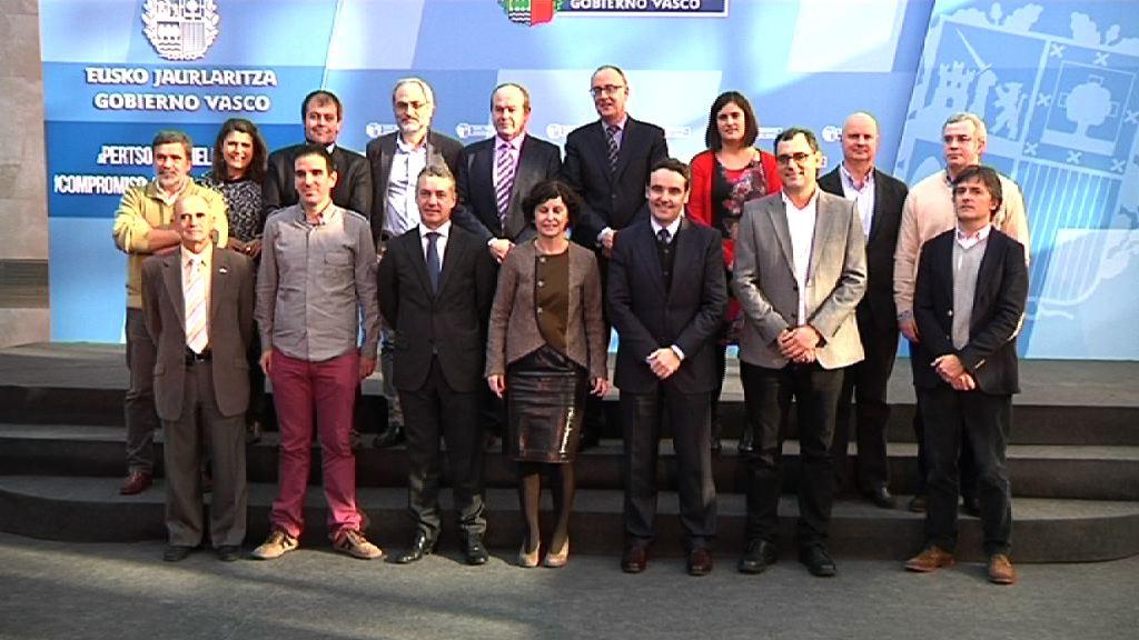 El lehendakari preside el Consejo Asesor de Colectividades Vascas [1:05]
