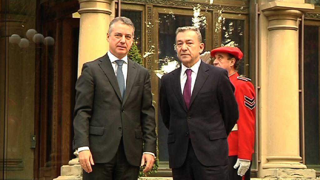 Euskadi y Canarias estrechan lazos [23:31]