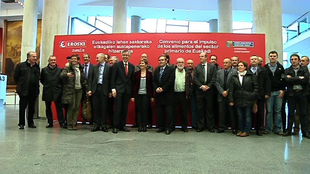 El Gobierno vasco y Eroski firman un convenio de colaboración para impulsar los alimentos del sector agroalimentario y pesquero de Euskadi [10:55]