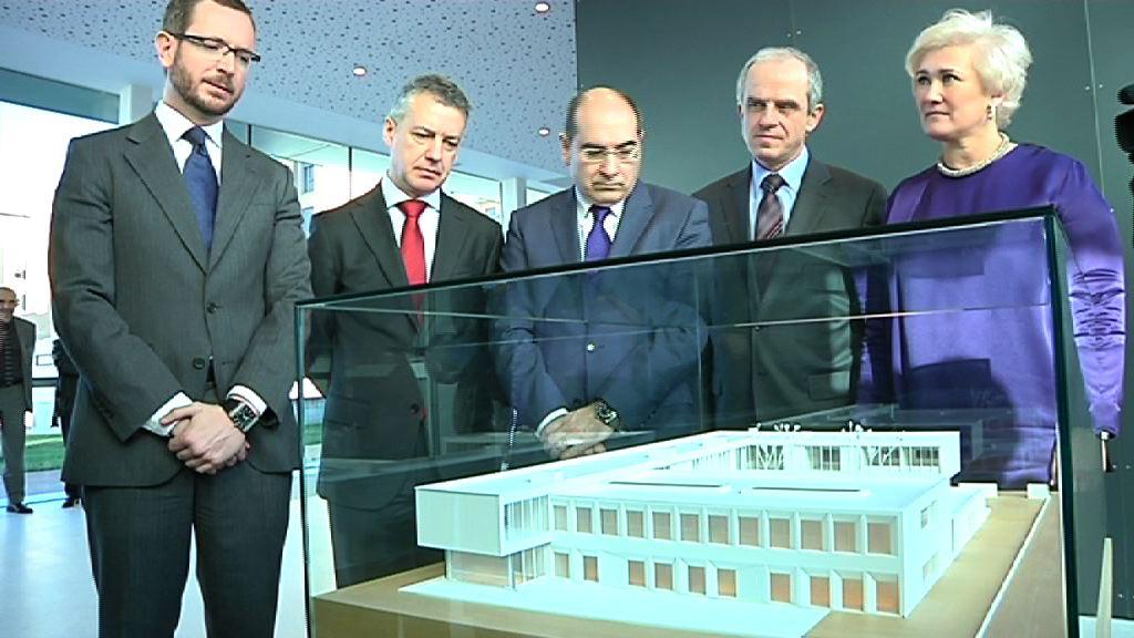 El lehendakari inaugura el centro de salud de Zabalgana en Vitoria-Gasteiz [13:15]