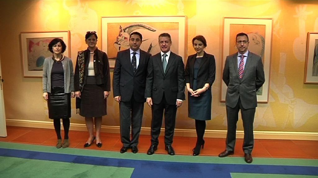 Lehendakariak Errumaniako Gobernuaren diasporaren ardura duen ministroa hartu du [1:01]