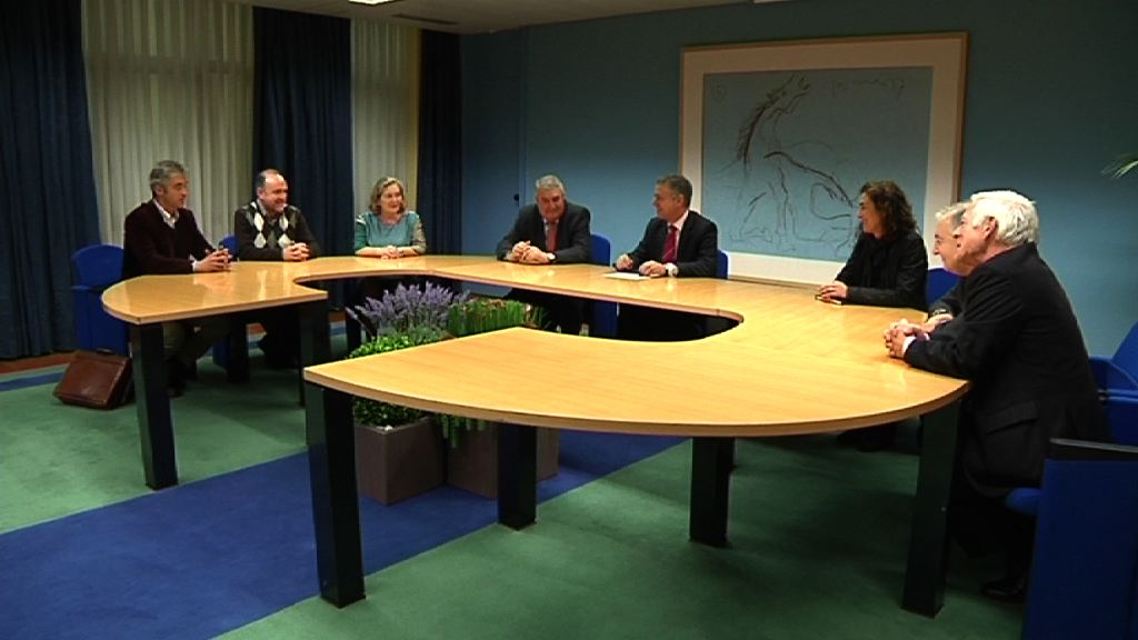 El Lehendakari recibe a responsables de la Unión de Federaciones Deportivas Vascas [0:54]