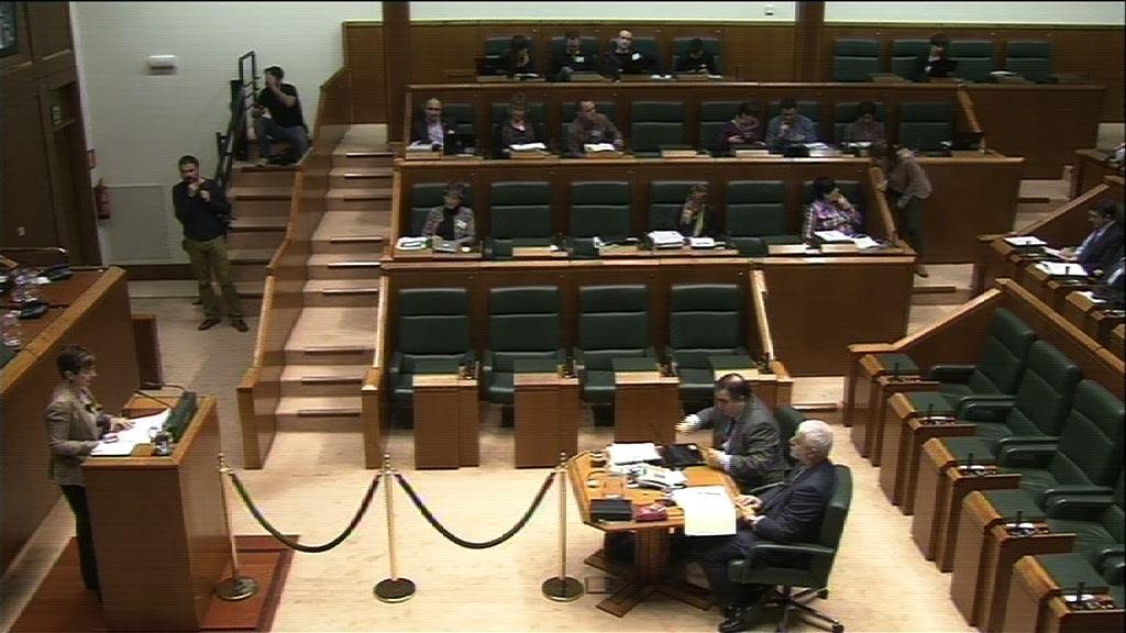 El Gobierno vasco llama al acuerdo para un marco de relaciones laborales estable [114:05]
