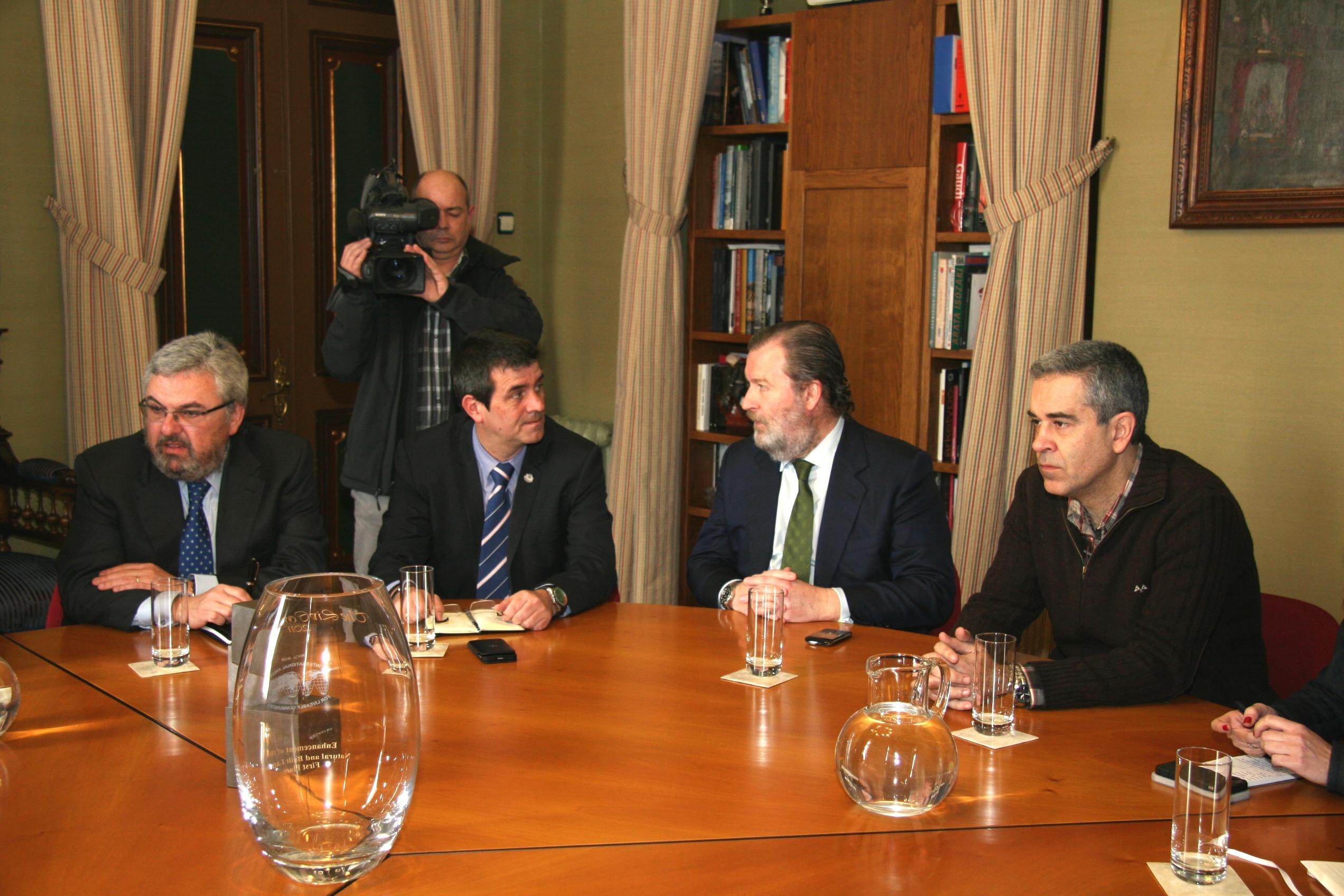 reunion_seguridad_ayuntamiento_bilbao_dendak_03.jpg