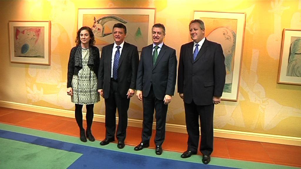 El Gobierno Vasco y Mercedes Benz firman un protocolo de colaboración en materia de Formación Profesional [18:19]