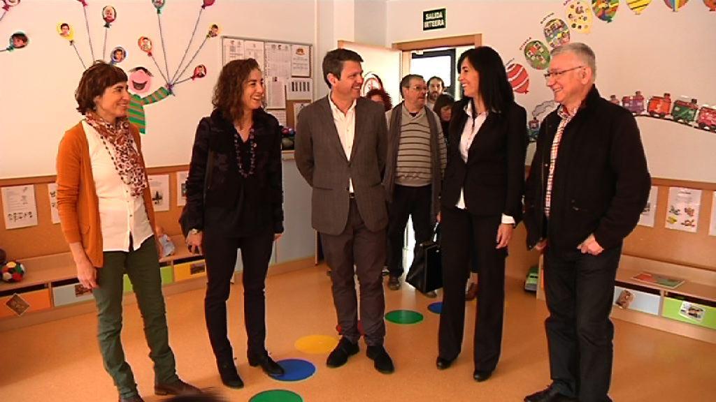 """Cristina Uriartek """"lasaitasuna"""" eskatu du LOMCEri dagokionez datorren ikasturtea """"antolatuta"""" baitago [5:42]"""